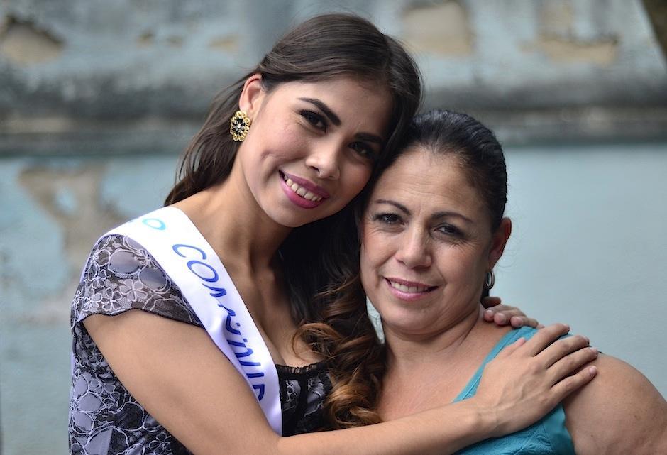Sandy cuenta que no lo habría logrado sin su familia. (Foto: Selene Mejía/Soy502)