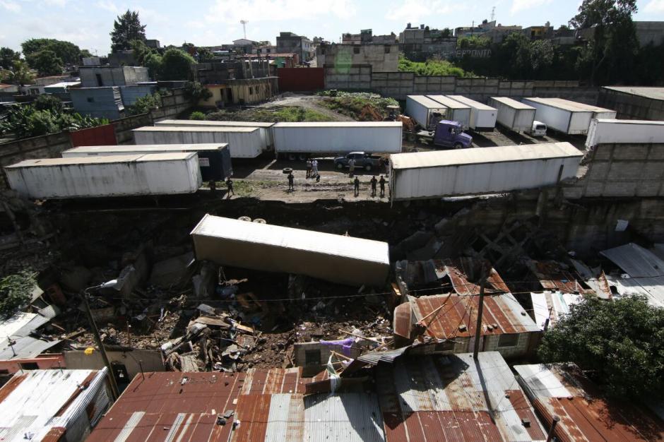Al menos 9 personas murieron por un deslave en Santa Isabel II, Villa Nueva. (Foto: Alejandro Balán/Soy502)