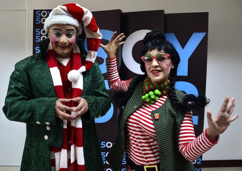 Los personajes del Polo Norte son parte del espectáculo. (Foto: Selene Mejía/Soy502)