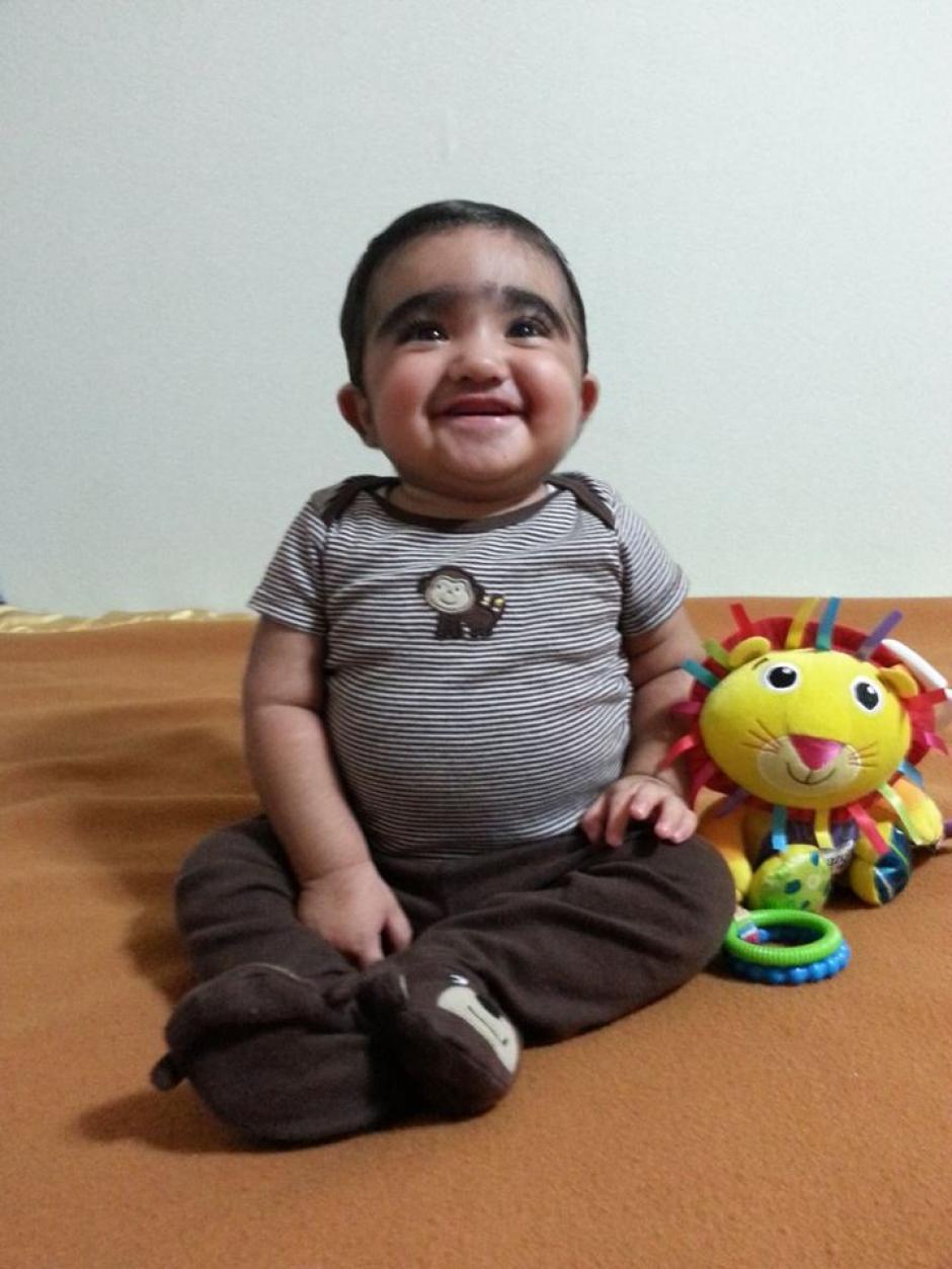 Alegre y muy activo ha sido el ánimo que caracteriza al pequeño Santi y eso no ha cambiado.(Foto: Padres de Santiago)
