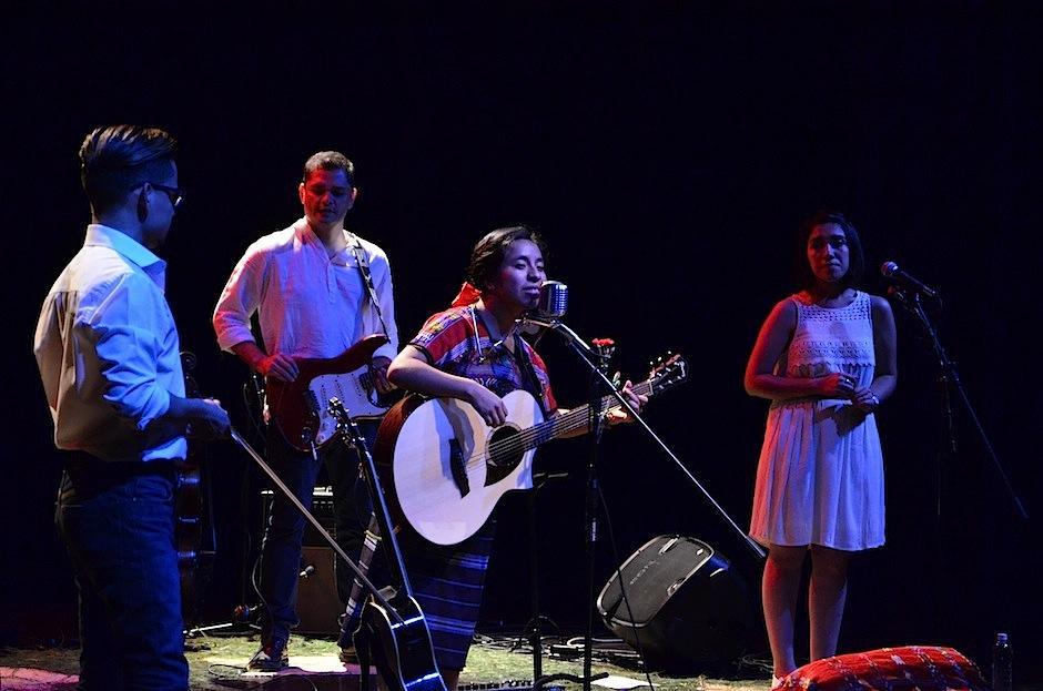 Sara dio gracias a la vida, a la tierra y la unidad. (Foto: Selene Mejía/Soy502)