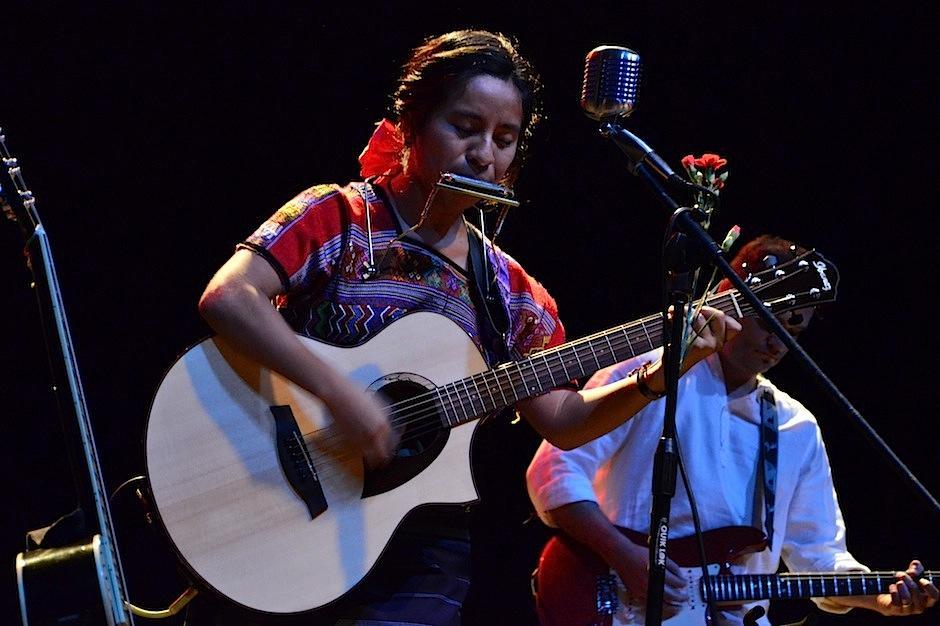Su voz fue aplaudida por los asistentes. (Foto: Selene Mejía/Soy502)
