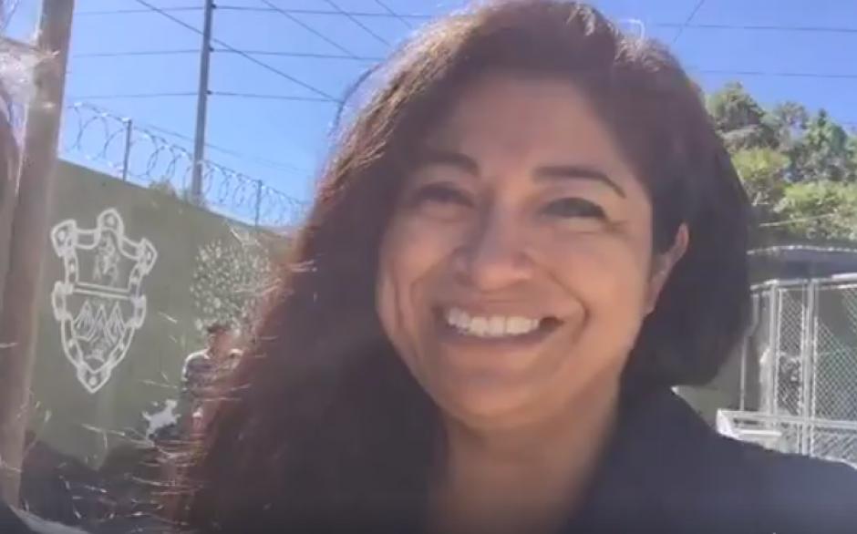 Además de ser parte de la Alcaldía Auxiliar, Sara Polanco apoya en los cuidados del albergue. (Foto: captura de pantalla)