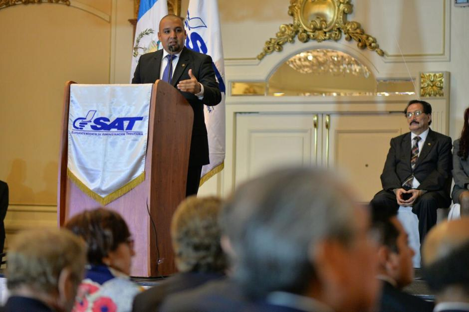 Solórzano Foppa explicó también que creará la Unidad de Atención al Contribuyente. (Foto: Wilder López/Soy502)