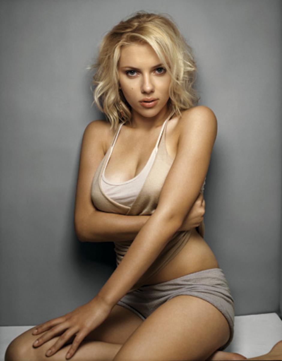 En el 2004 la actriz Angelina Jolie, que por entonces tenía 29 años, fue la primera en erigirse como la mujer más sexy.
