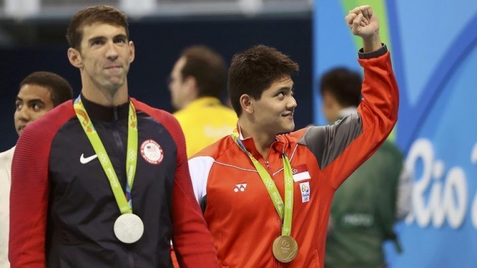 Schooling derrotó a Phelps en nado mariposa. (Foto: RT)