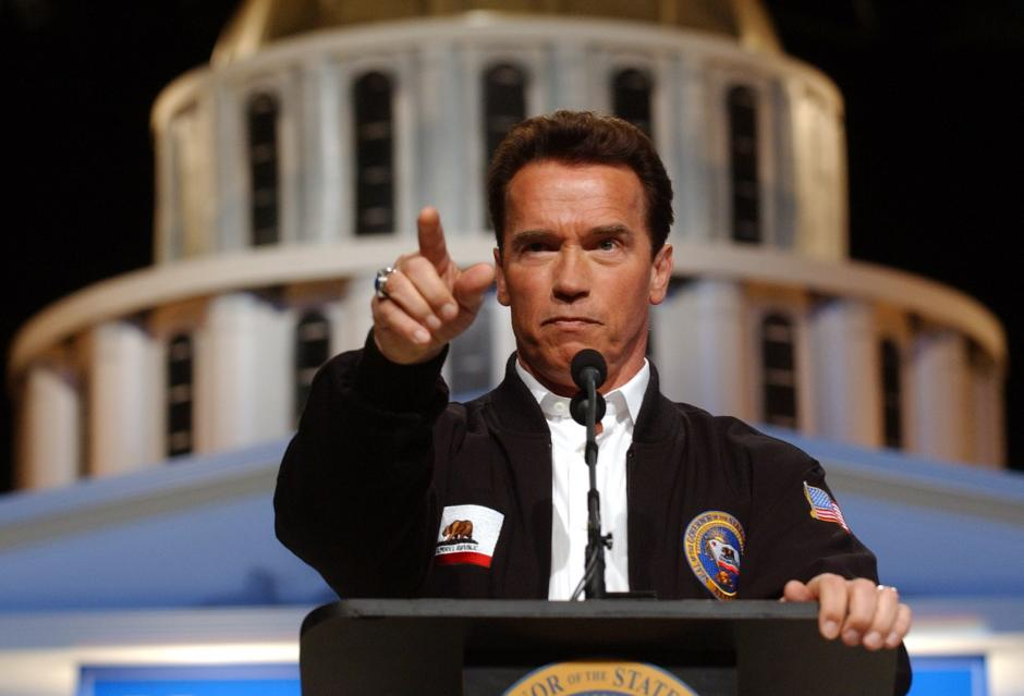 Además, fue gobernador del estado de California del 17 de noviembre de 2003 al 1 de enero de 2011. (Foto: vivelohoy.com)