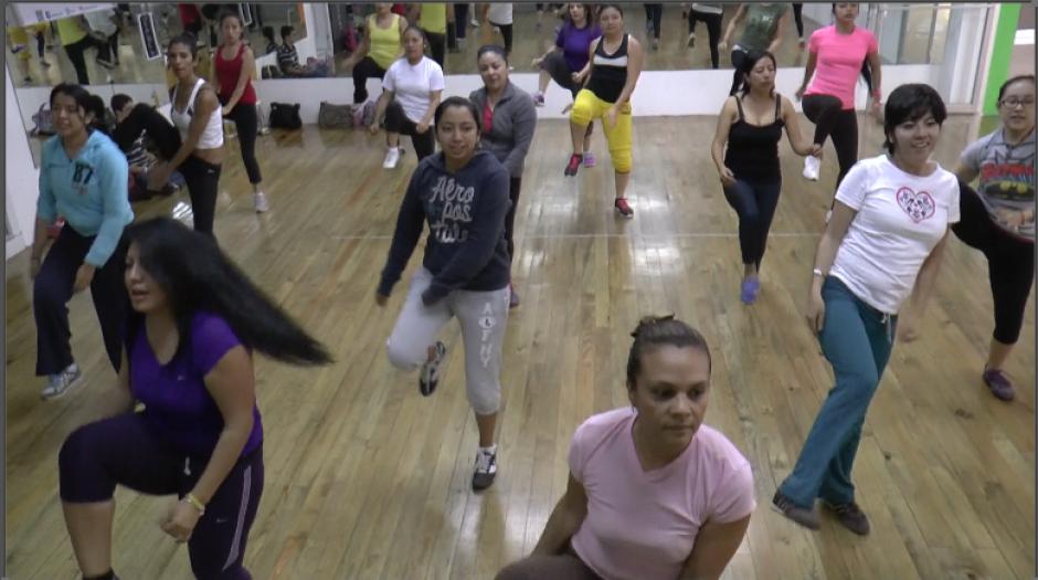 Paola es una de las instructoras certificadas por Zumba Fitness en Guatemala. (Foto: Jesús Alfonso/Soy502)