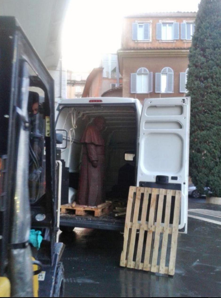 El transporte de la figura fue uno de los momentos más delicados de todo el proceso. (Foto: Mirco della Vecchia)