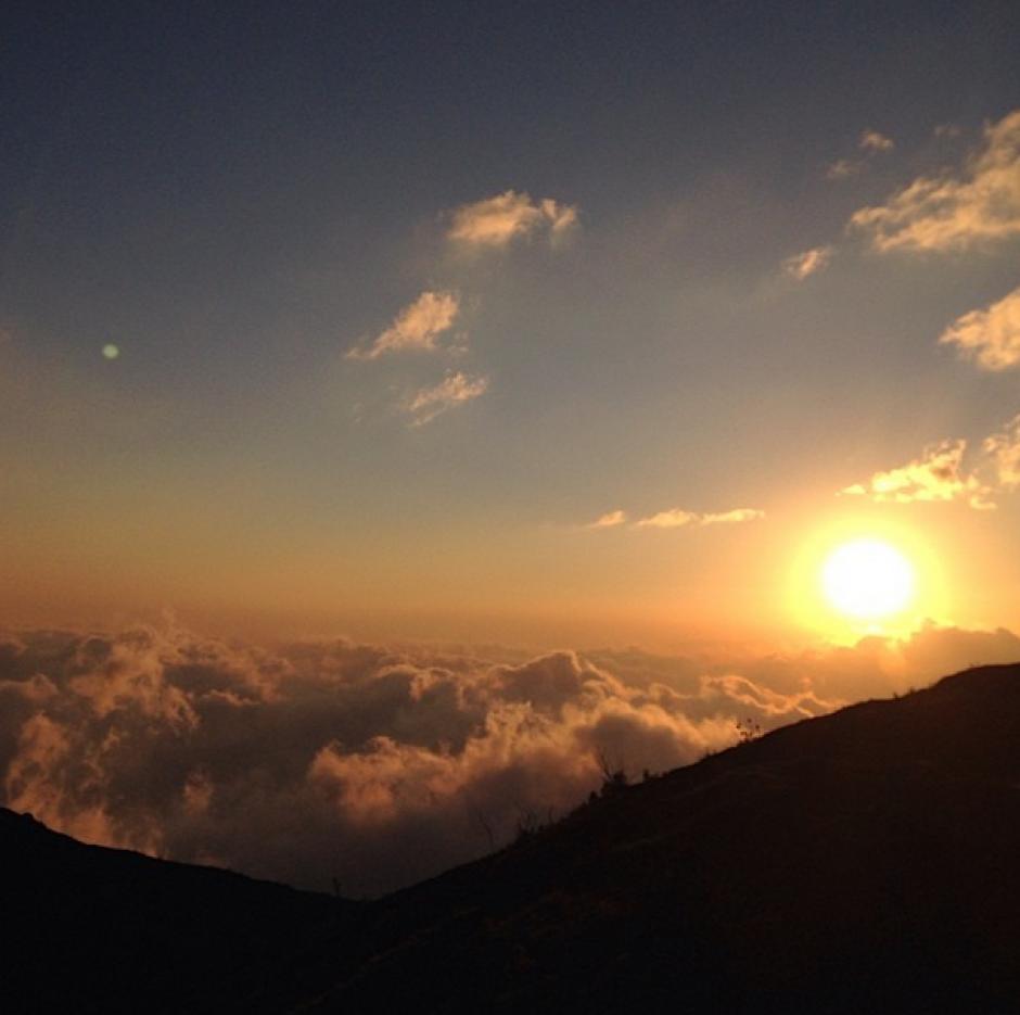 Puesta de sol desde lo alto del volcán Pacaya. (Foto: Carlos Rodríguez)