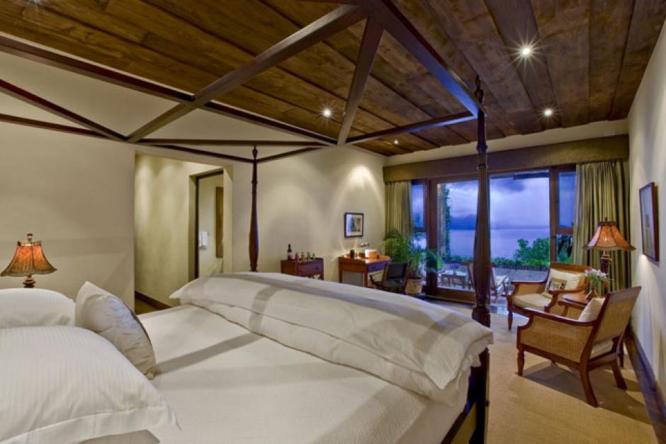 Desde todos los ambientes del Hotel Casa Palopó la vista es espectacular.