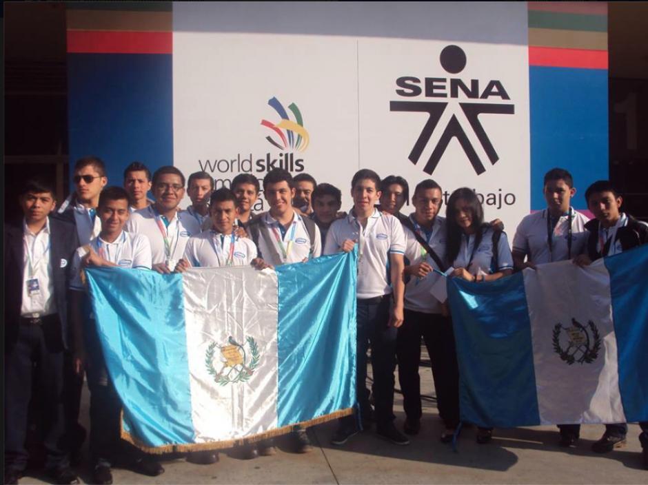 En otras categorías Guatemala ganó una medalla de oro, una de plata y seis de bronce, además de la de Mecatrónica. (Foto: Facebook).