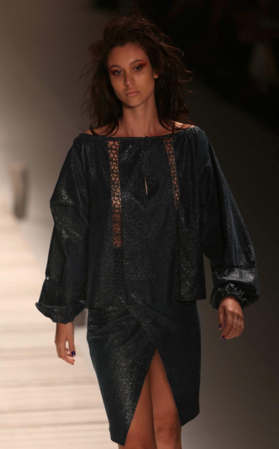 Una modelo luce una creacion de Patricia Vieira durante un desfile hoy, martes 8 de abril de 2014, en la vigésimo quinta edición de la Semana de la Moda de Río de Janeiro. (Foto: EFE)