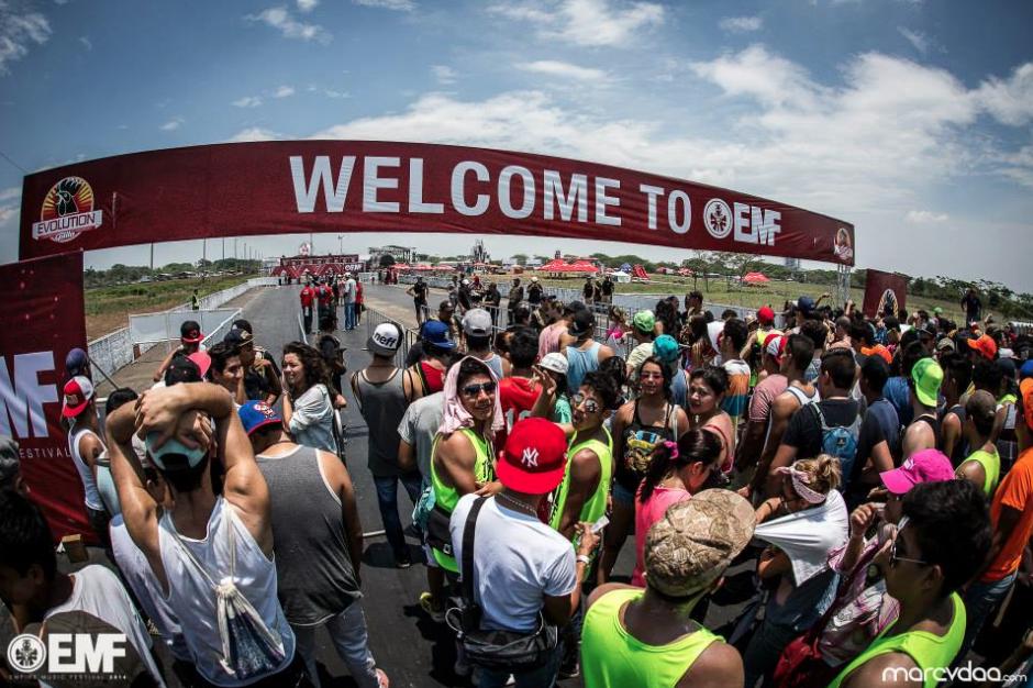 Las puertas del Empire Music Festival se abren para miles de guatemaltecos y extranjeros que se dieron cita en este evento. (Foto: EMF)