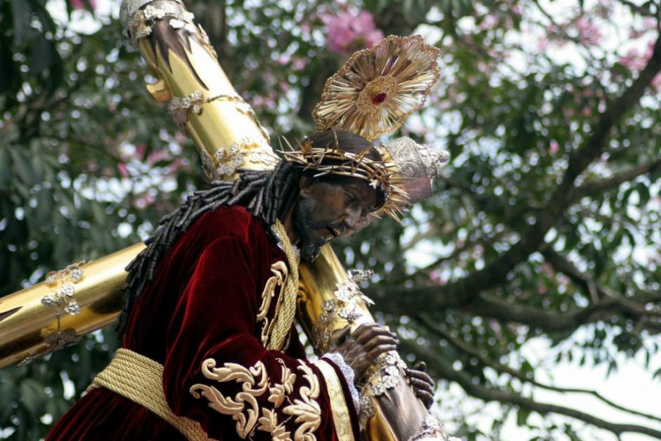 La alegoría de este año muestra la imagen de Jesús de Candelaria al centro como un cordero que será inmolado por los pecados del mundo. (Foto: Raúl Illescas)