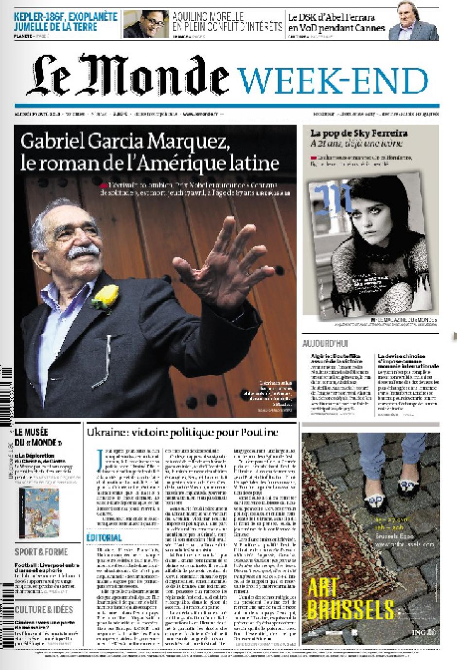 La edición del fin de semana del diario francés Le Monde dedica una doble página en su interior al escritor colombiano. (Foto: Soy502)