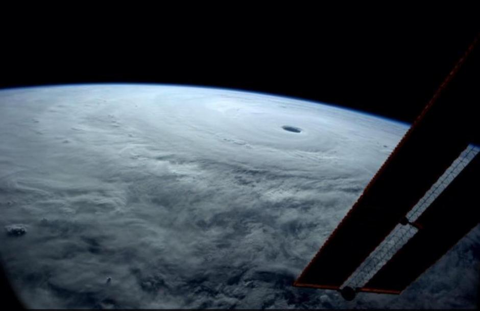 Imagen del tifón visto desde el espacio. (Foto: Nasa)