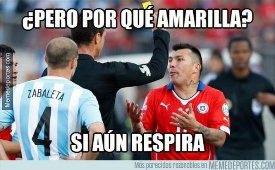 Medel, defensa central de Chile, fue criticado por su rudeza.
