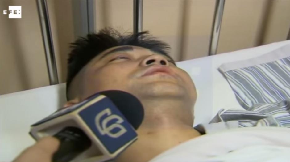 El hombre fue ingresado en un hospital, donde su pie tuvo que ser amputado debido a las graves heridas sufridas. (Imagen: YouTube)