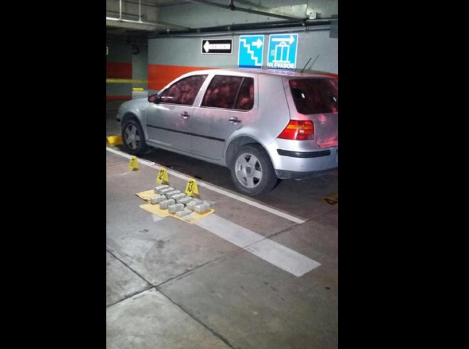 Este es el vehículo donde localizaron el dinero en efectivo. (Foto: PNC)