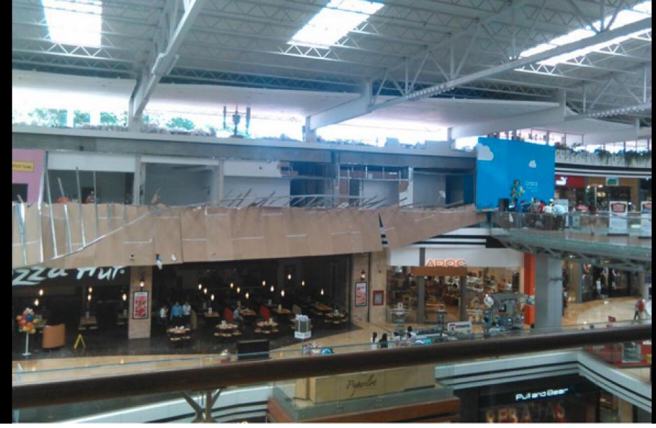 La vocera del comercial Oakland indicó que no se reportaron personas heridas de gravedad. (Foto: Twitter/@crixusbatiatus)