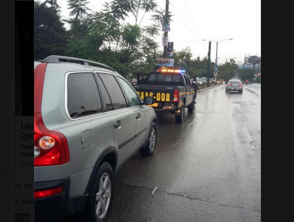 El conductor fue detenido por un vehículo de la SAAS que custodiaba un auto de la Embajada de Estados Unidos, el cual también fue afectado. (Foto: PMT)