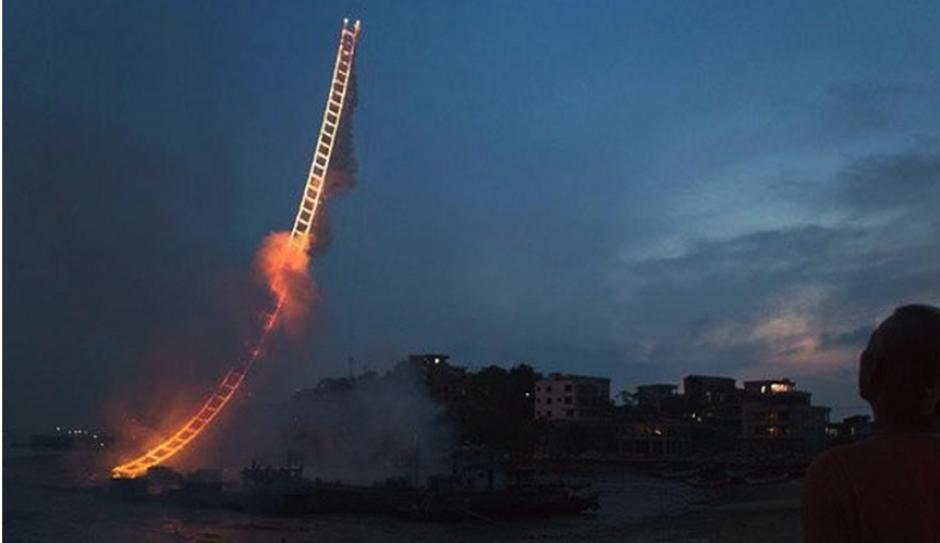 """Las """"escaleras al cielo"""" del artista chino son famosas en internet."""