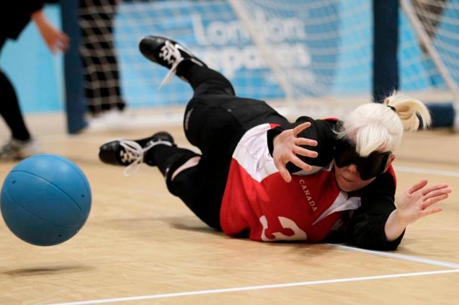 Una increíble demostración de habilidad dio la canadiense Whitney Bogart, durante un partido de golbol.(Foto: Página oficial de los Juegos Parapanamericanos de Toronto 2015)