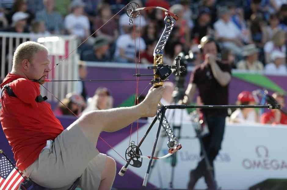 El representante de Estados Unidos, Matt Stutzman, durante la competición de tiro con arco. (Foto: Parapan Americanos Toronto 2015)