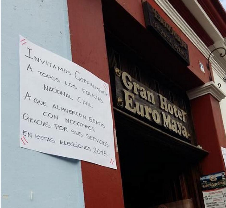 Varios locales comerciales y Hoteles en Antigua Guatemala se unieron a la campaña. (Foto: Twitter/@soychapigt)