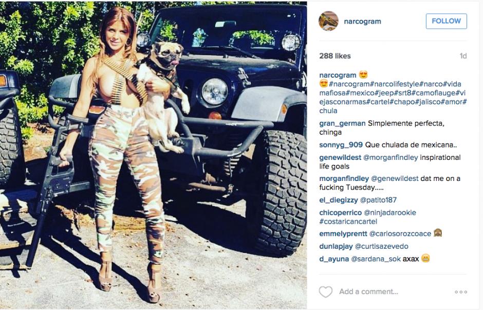 Esculturales mujeres y armas se lucen en Instagram.