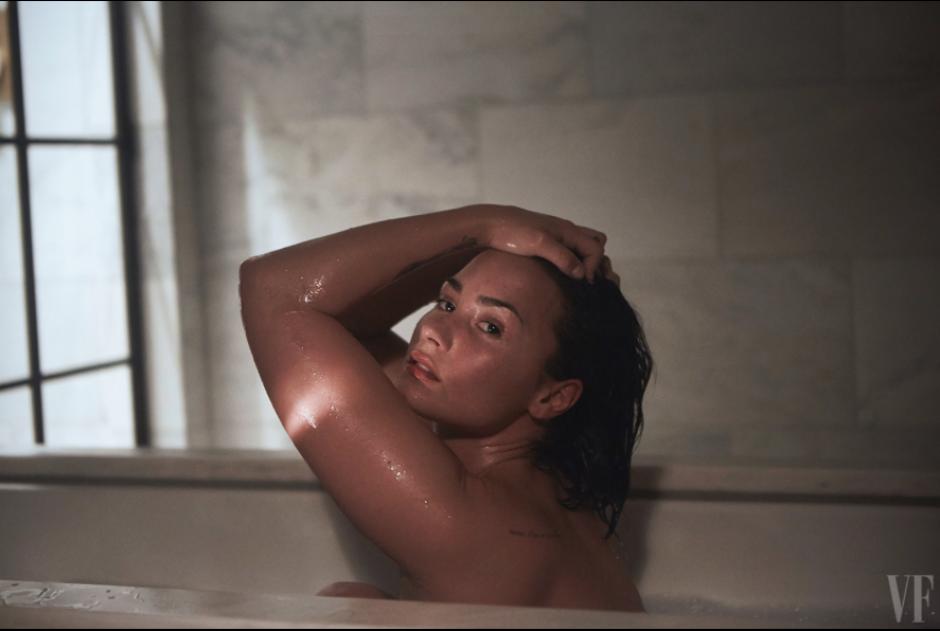 La cantante y actriz Demi Lovato hizo una espectacular sesión de fotos para la revista Vanity Fair.