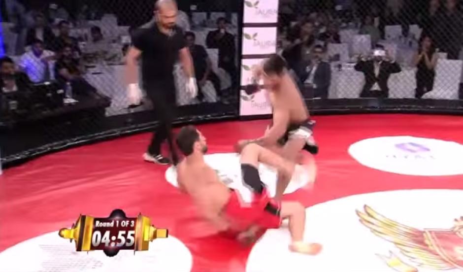 Un peleador cayó noqueado en tan solo nueve segundos luego de dar un espectáculo en el que pecó de confiado