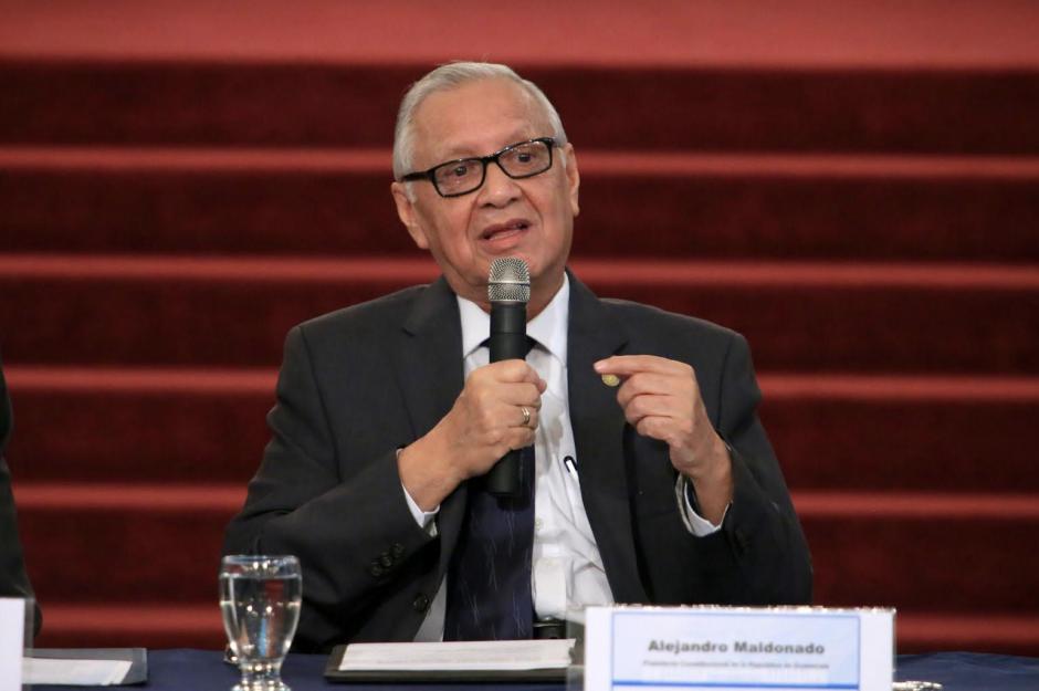 El Presidente Maldonado explicó que se busca ahorrarle dinero al Estado. (Foto: Presidencia)