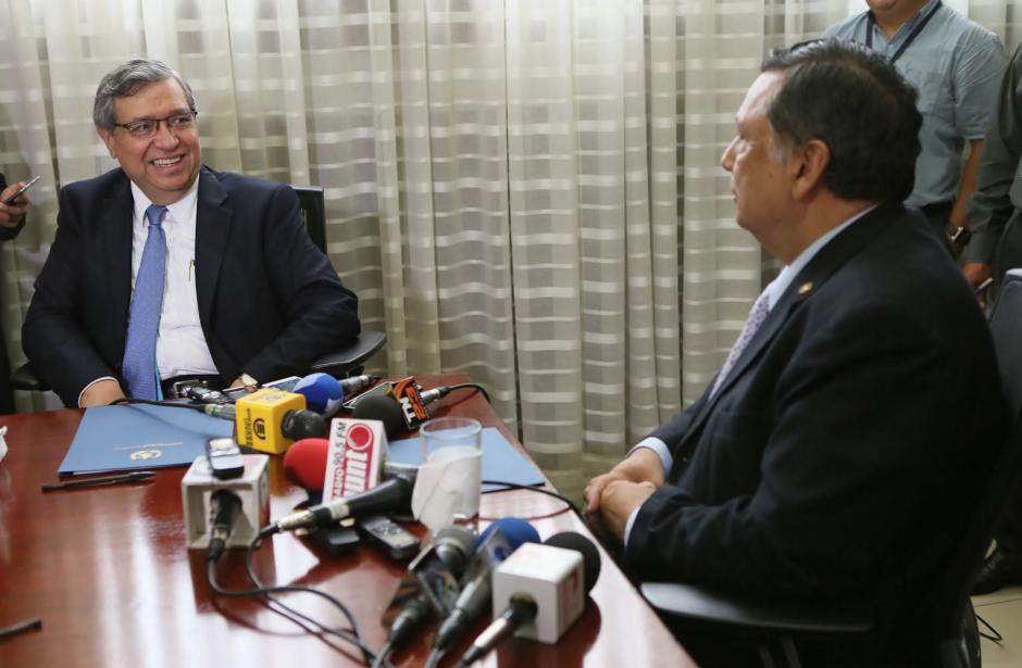 La reunión entre las actulaes autoridades y las electas fue muy cordial. (Foto: Presidencia)
