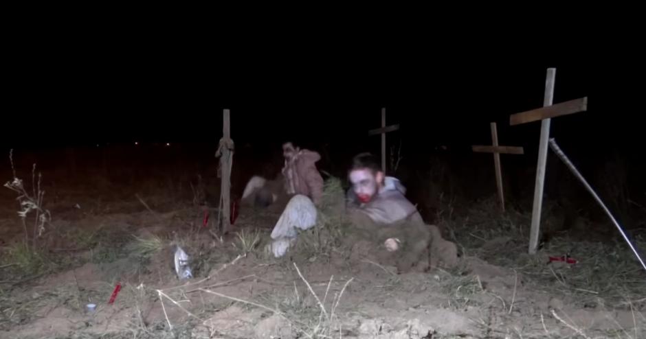 Previo al día de los muertos, las bromas abundan. (Foto: YouTube)