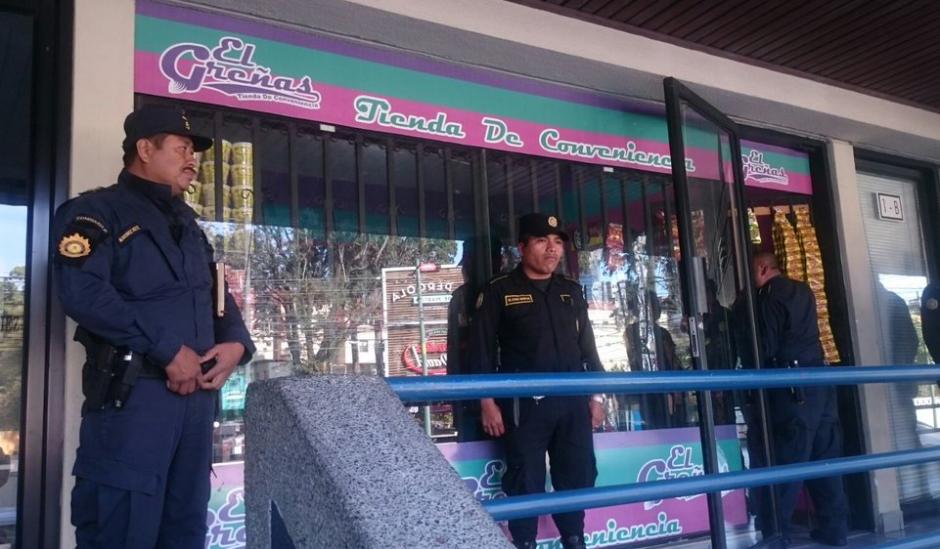 En el operativo también participa la Policía Nacional Civil para realizar las capturas. (Foto: MP)