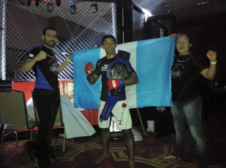 El guatemalteco Erik Urbina logró el campeonato, en la categoría de 135 libras, en Panamá. (Foto: Facebook de Erick Urbina)