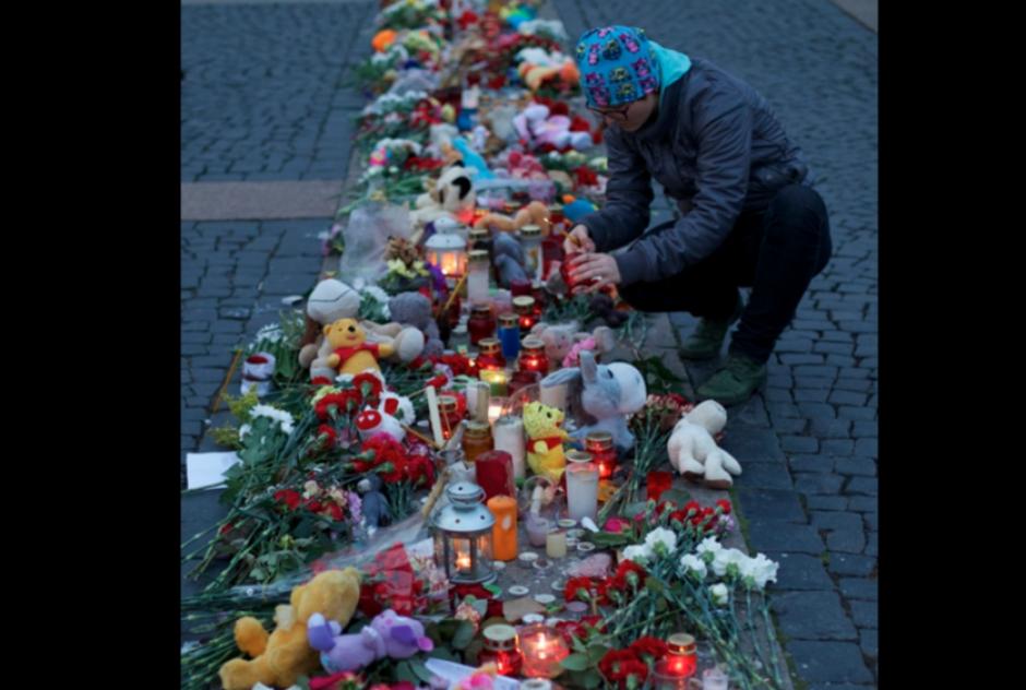El domingo 1 de noviembre, Rusia declaró que fuera día nacional de luto por la tragedia aérea en Egipto. (Foto:dailymail.co.uk)