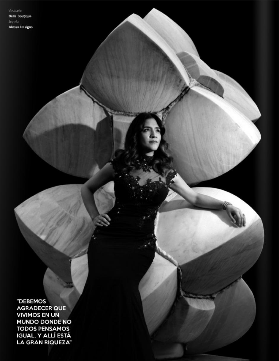 La periodista Claudia Méndez Arriaza cuenta cómo llegó al periodismo y su pasión por esta profesión.(Foto: Look Magazine)