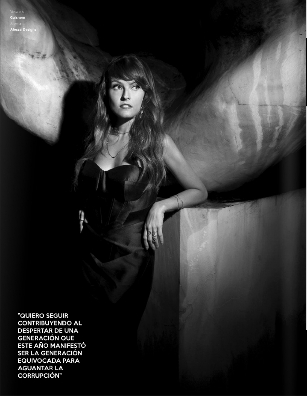 La blogger y personalidad de redes sociales Gloria Álvarez también aparece en la revista, por su labor como comunicadora.(Foto: Look Magazine)