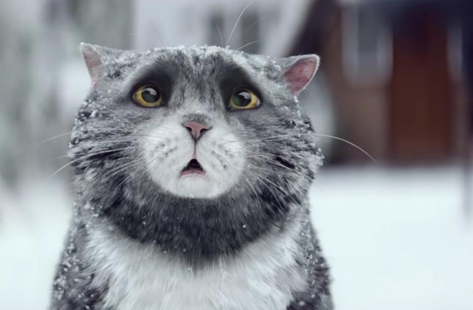 El gato Mog se mete en problemas.(Foto: YouTube/Sainsbury's)