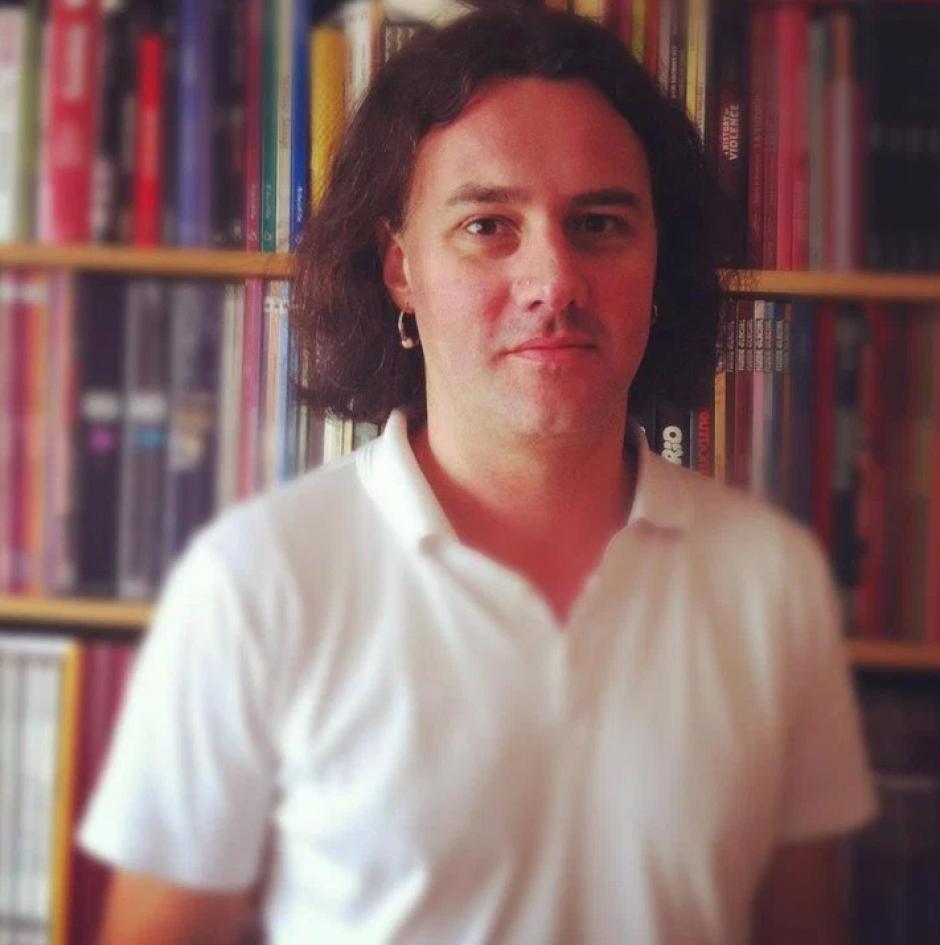 El periodista francés Guillaume B. Decherf es otra de las víctimas que murió en el Bataclán durante el concierto de Eagles of Death Metal. El joven escribía para la revista cultural Inrocks desde el 2008 y se dedicaba a la redacción sobre rock y metal. (Foto: www.sopitas.com)