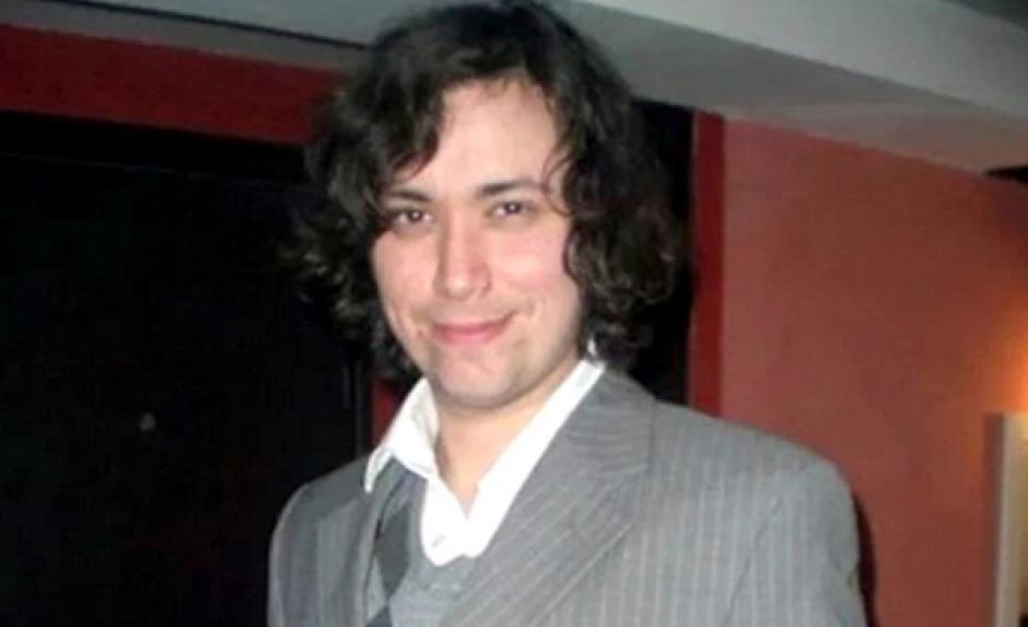 Un músico chileno que vivía en París desde hace ocho años murió mientras disfrutaba el concierto de Eagles of Death Metal. El joven se encontraba junto a su esposa, de origen francés, en una sala del Bataclán. (Foto: www.telegraph.co.uk)