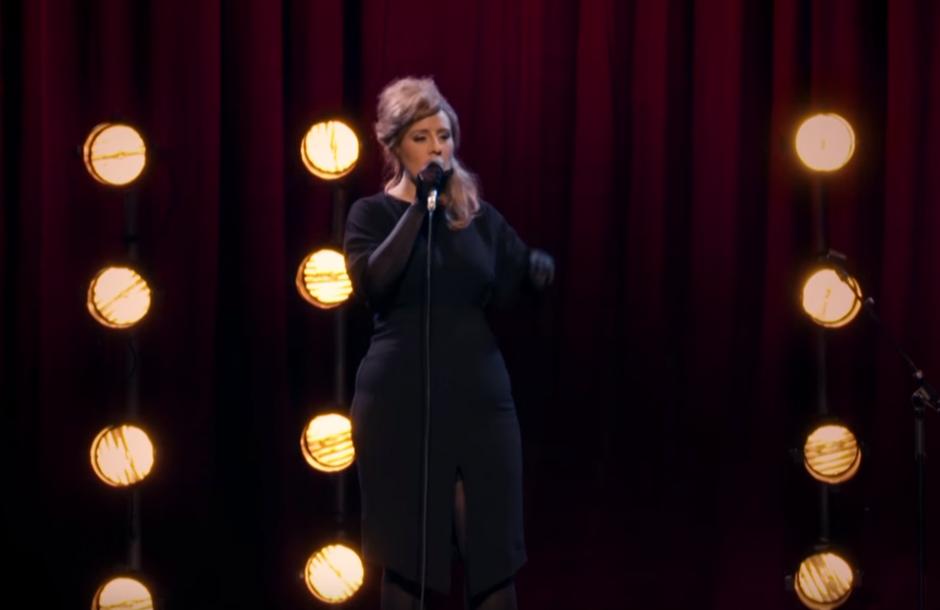Adele sorprende a las participantes de un concurso de imitadoras. (Foto: YouTube/ BBC)