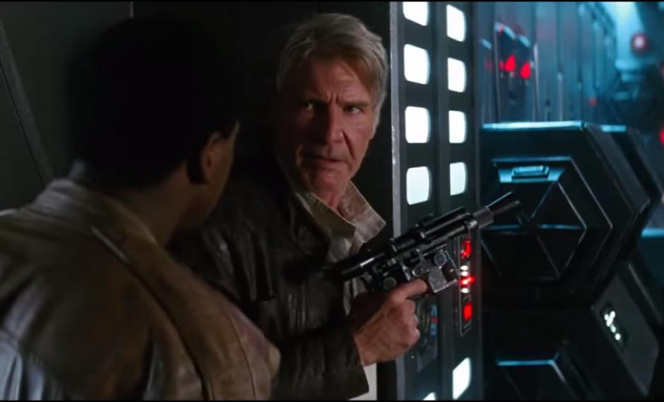 Han solo aparece junto a Finn en el nuevo avance de Star Wars. (Imagen:Facebook/ StarWars.Latam)