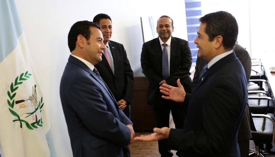 Este lunes, Jimmy Morales llegó a Honduras. También visitará El Salvador este mismo día. (Foto: Presidencia Honduras)