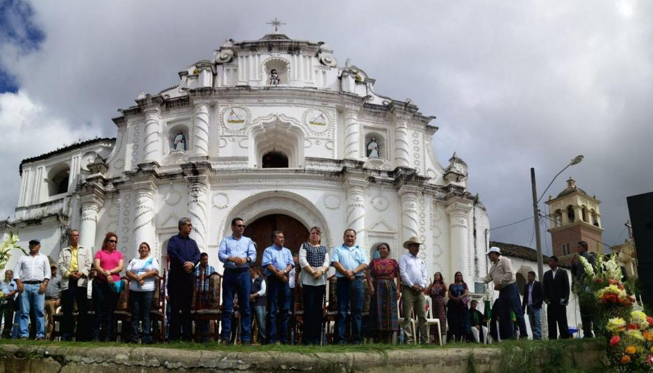Antes de salir del país, el presidente electo, Jimmy Morales visitó Chimaltenango. (Foto: Equipo de comunicación de Jimmy Morales)