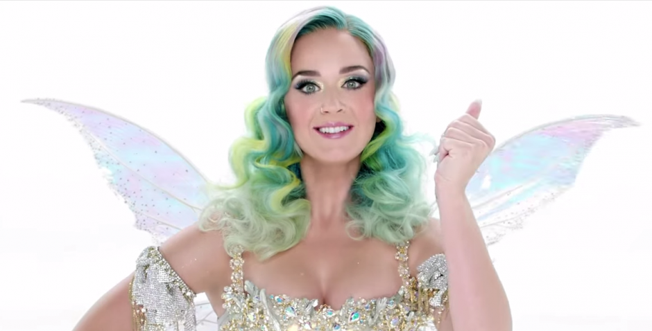Katy Perry interpreta su primer villancico navideño en toda su carrera. (Imagen: Captura de YouTube)