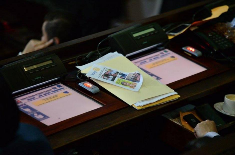 Miembros del Club Rotario visitaron a los diputados y entregaron información de su trabajo, sin embargo, no aprobaron la iniciativa a su favor. (Foto: Wilder López/Soy502)